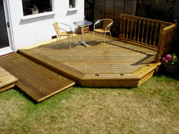 Capentry joinery services in milton keynes heath carpentry for Garden decking examples